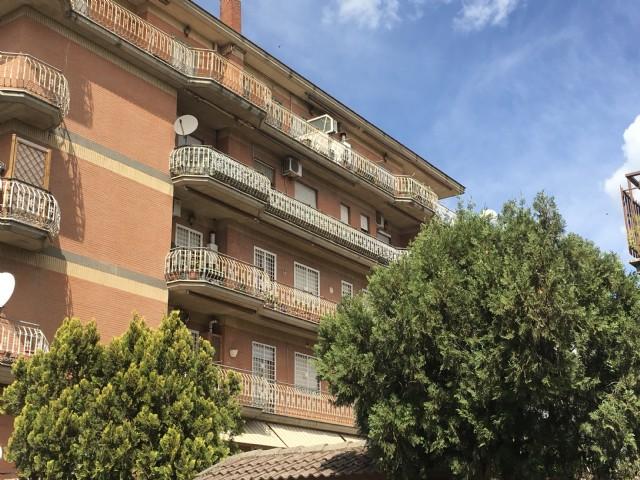 Appartamento vendita ROMA (RM) - 3 LOCALI - 120 MQ