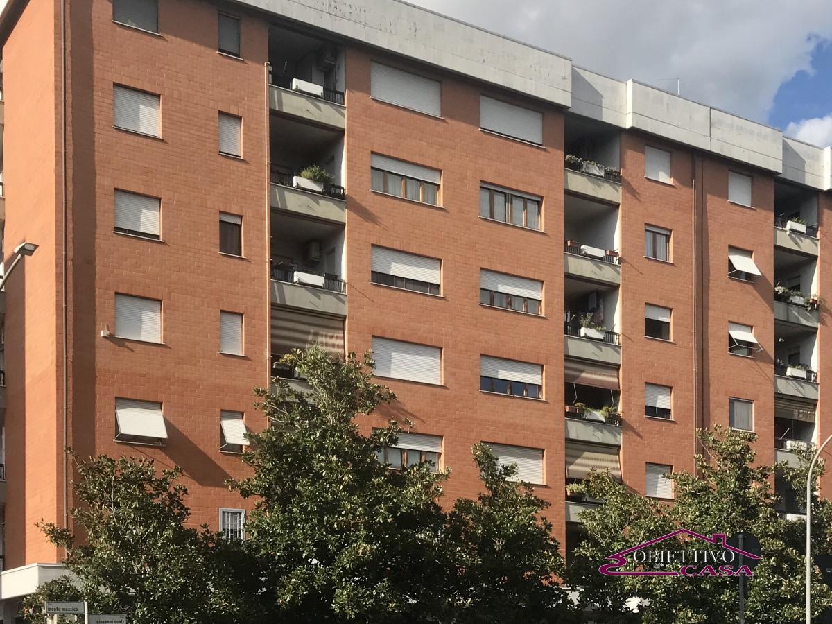 Appartamento vendita ROMA (RM) - 4 LOCALI - 130 MQ